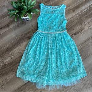 Speechless lace sleeveless dress
